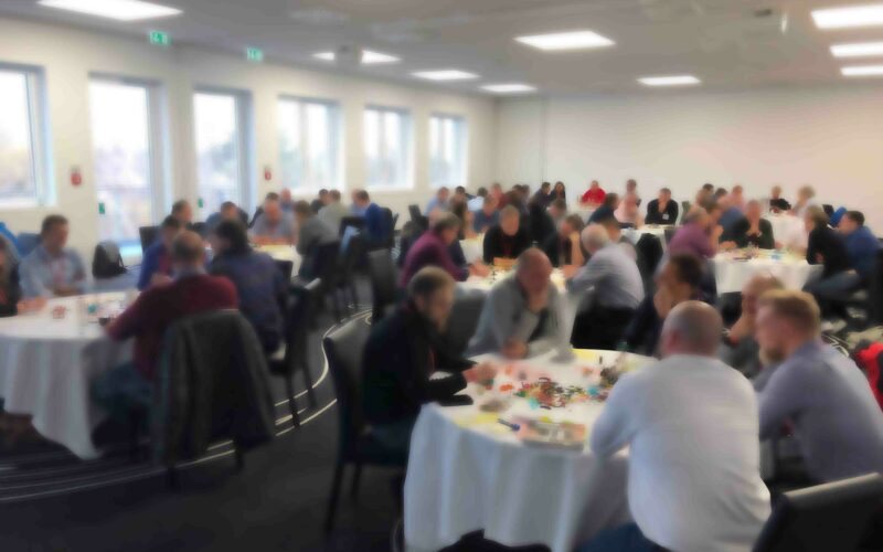 Kickoff-Workshop für einen Change-Prozess und LEGO SERIOUS PLAY: Großgruppenveranstaltung mit 150 Personen. Fallstudie von Jens Dröge
